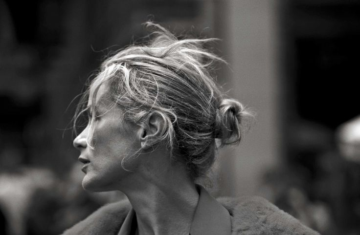 "Carolyn Murphy "" Walking "" by Peter Lindbergh Vogue Italia October 2016"