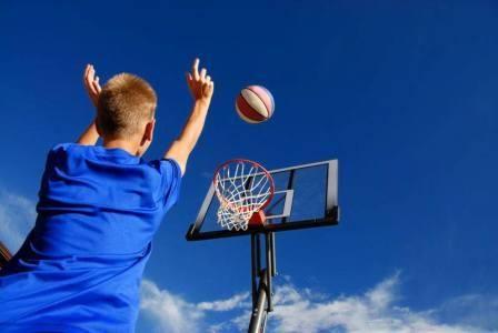 Tabere de baschet pentru tineri si copii in SUA, Anglia si Olanda