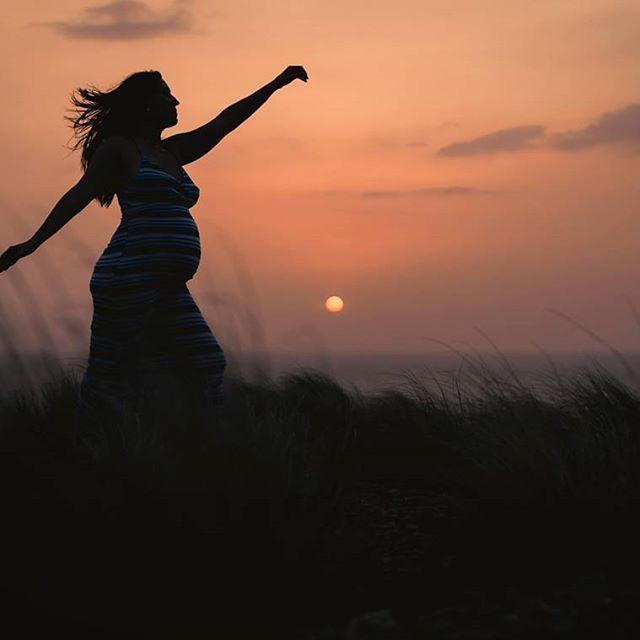 Nuevos héroes, sueños y esperanzas nacen cada día! Venezuela, madre bella y fuerte que aun sigues dándonos tanto a tus hijos!   Oliver Herrera Fotografía Instagram.com/OliverHerreraFotografia  #pregnancy #pregnant #momtobe #embarazo #embarazada #dulceespera #maternidad #sesiondefotos #fotografia #fotos #mamá #prenatal #sesiondeembarazo #sesionprenatal