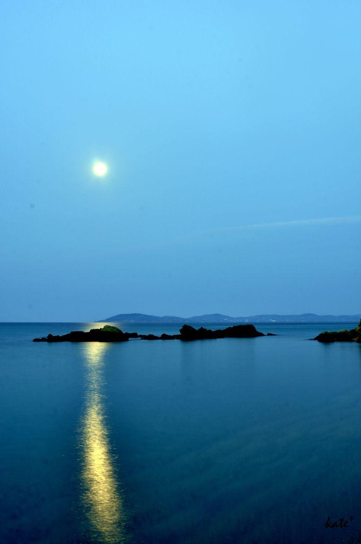 full moon Tristinika beach ,Chalkidiki,Greece  photο:Katerina Triantafillidou