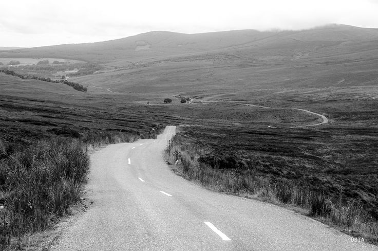 Road on the Wicklow Mountains - Ireland - Ireland road R115 August 2005 © Tobia Scandolara