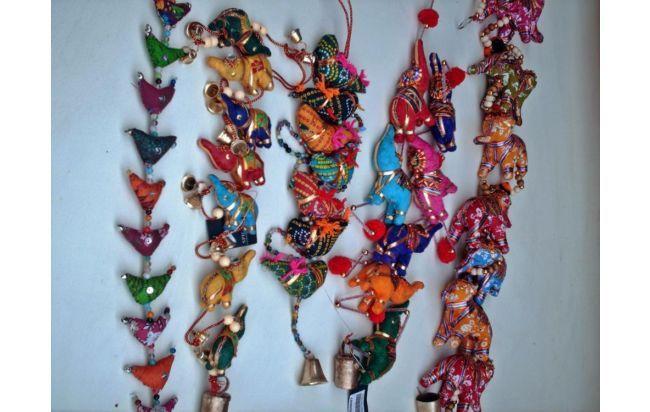 tiras decorativas de elefantes y/o gallinitas
