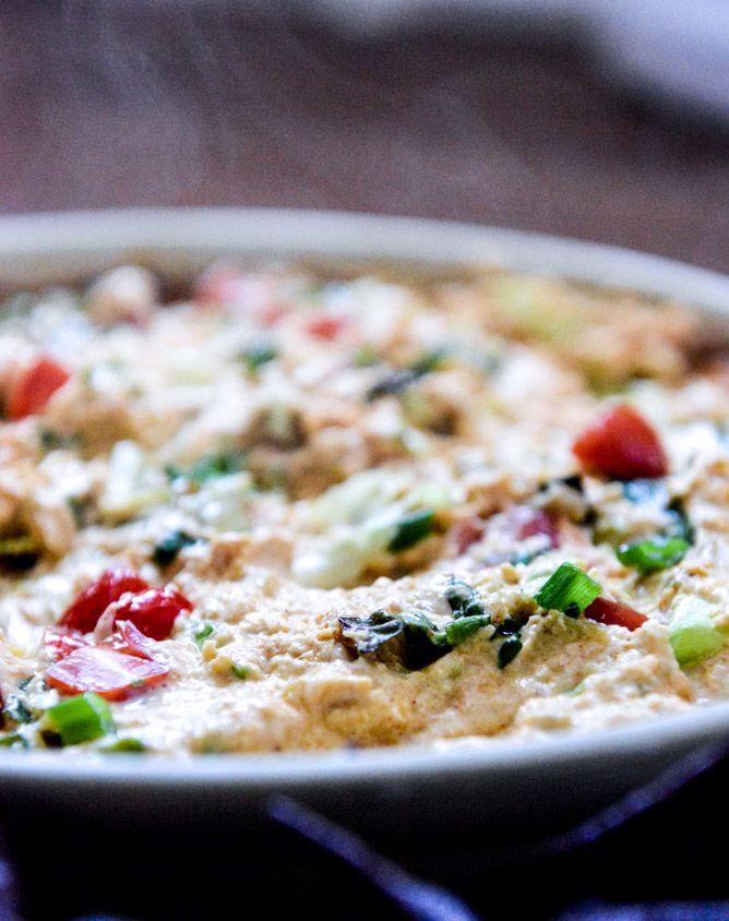 cheesy chicken enchilada dip I howsweeteats.com