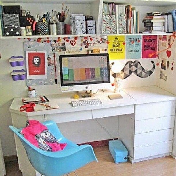 Quarto Feminino   Ideias para o seu home office. ❤  #movelariaonline #inspiração #decoração #homedecor #casa #quarto #girl #garotas #quartofeminino #design #cores #office #escrivaninha #color #mustache #eames
