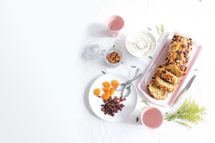 Le cake aux épices et fruits secs : Idéal à grignoter au gouter ou pour accompagner son café, ce cake moelleux aux fruits secs fondants est un plaisir à chaque bouchée ! #iletaitunenoix