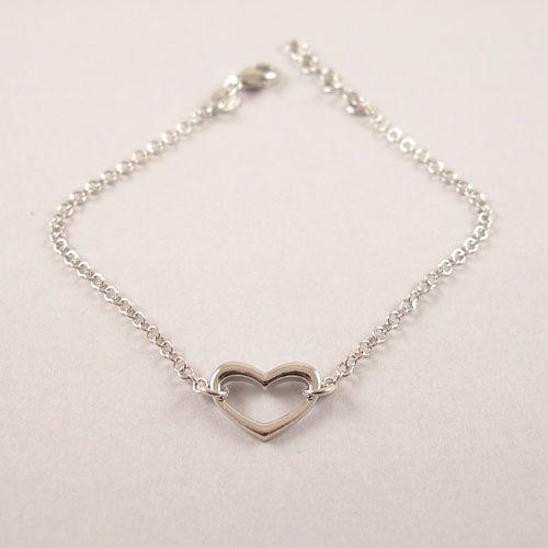 Cute Silver Heart Bracelet.  Schattig Zilveren Hart Armbandje.