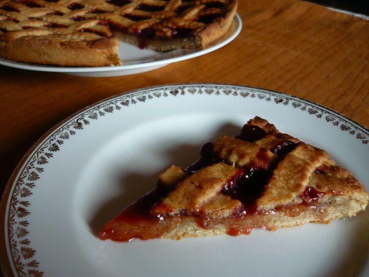 MŘÍŽKOVÝ KOLÁČ Mřížkový koláč se stane vaším přítelem ve chvílích, kdy bude mít vaše rodina chuť na něco sladkého a vy nebudete mít po ruce zrovna čerstvé ovoce. Nejlepší kombinací je medové těsto …