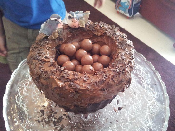 Birthday cake - nest!