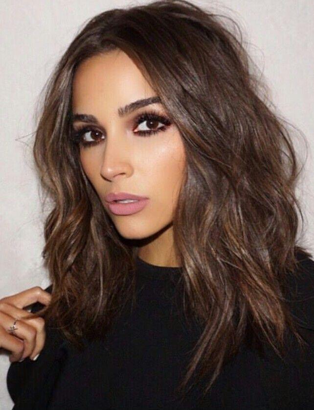 30 Brunette Frisuren Fur Frauen Die Meisten Fancy Und Nobler Stil Zu Tragen In 2020 Brunette Frisuren Coole Frisuren Brunette