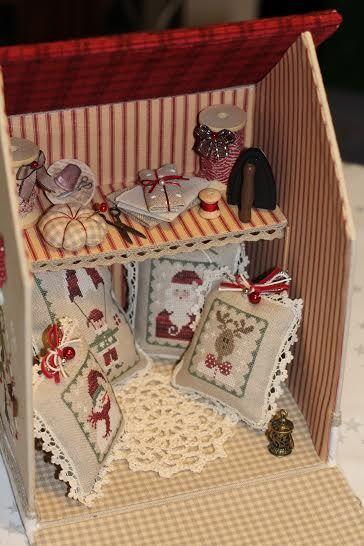 *Belle idée; Maison de brodeuse pour Noël*