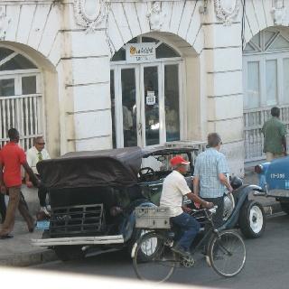 Vintage car Santiago de Cuba