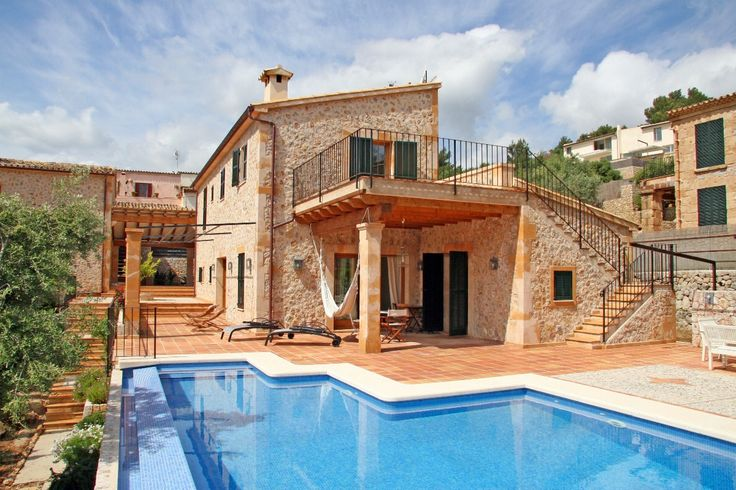 Having been recently built, this luxury property is the perfect combination of a town home and a villa in one of the quiet areas of Pollensa Old Town, not far from the famous Calvario steps. Description from gatehouse-elite.com. I searched for this on bing.com/images