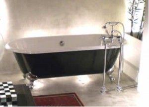 Banheiras Vitorianas  banheira De estilo clássico, são feitas de ferro fundido e pintadas com tinta esmalte na parte interior e tinta epóxi na parte externa.  Podem ter o acabamento externo pintado ou estilizado, personalizado de acordo com cada cliente. São peças muito charmosas e requintadas.