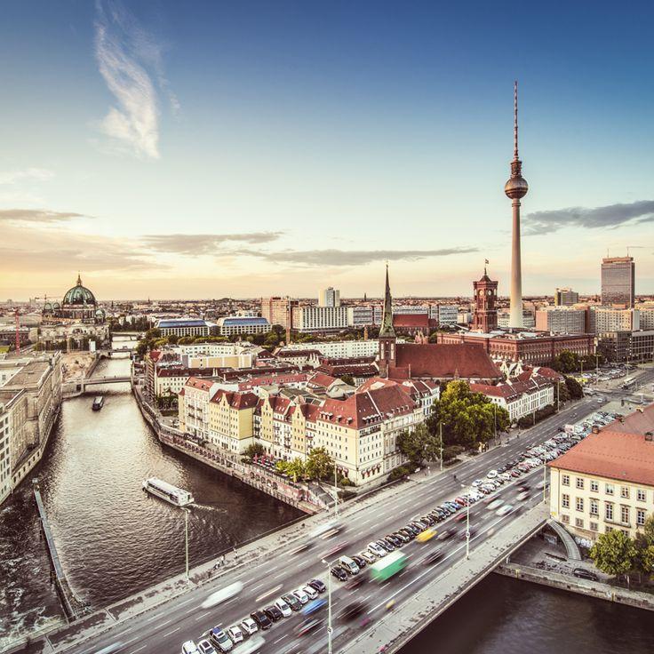 Storbyferie i Berlin <3 Læs mere om Berlin: http://www.apollorejser.dk/rejser/europa/billige-rejser-til-berlin Find storbyferier over hele verden her: http://www.apollorejser.dk/rejser/storbyferie