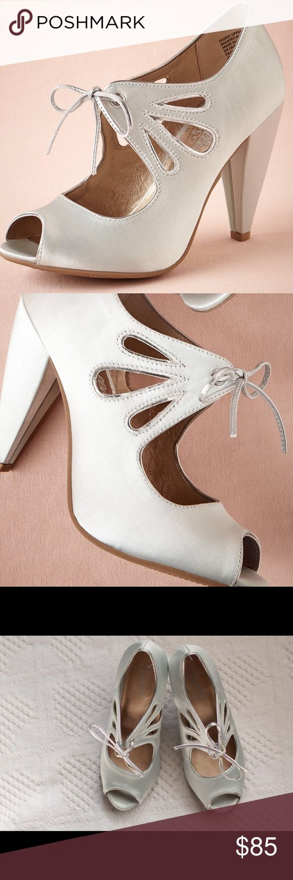 """NWOT BHLDN Mint Sprig Booties -- Wedding Shoes From BHLDN: Mint-hued with silver piping and a touch of sheen, these cut-out booties from Seychelles boast a chunky heel and rubber bottom that make this pair a top choice for dancing and dipping into the evening. Tie closure. Satin upper, leather insole. 3.5"""" satin wrapped heel. Note: I am a 7-7.5 and these fit perfectly. If you're a 7.5-8, these may be small. I purchased these as a backup for my wedding shoes (...erm, stilettos) because these…"""