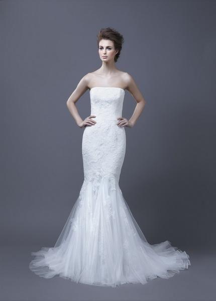 Igen Szalon Enzoani wedding dress- Halia-D #igenszalon #Enzoani #weddingdress #bridalgown #eskuvoiruha #menyasszonyiruha #eskuvo #menyasszony #Budapest