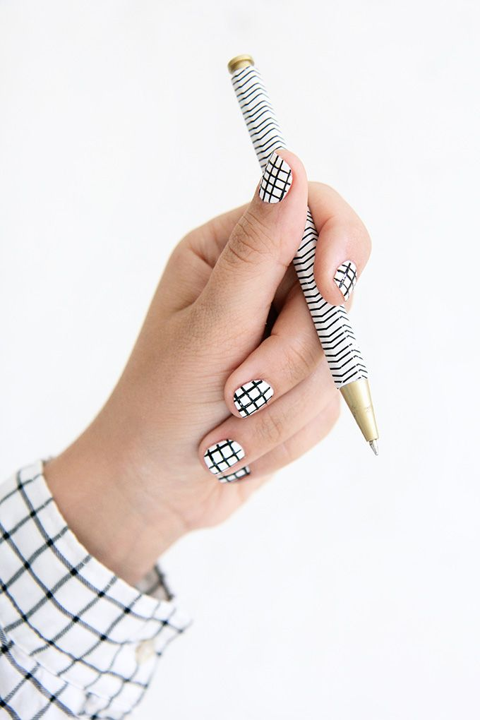 DIY Black & White Crosshatch Nails