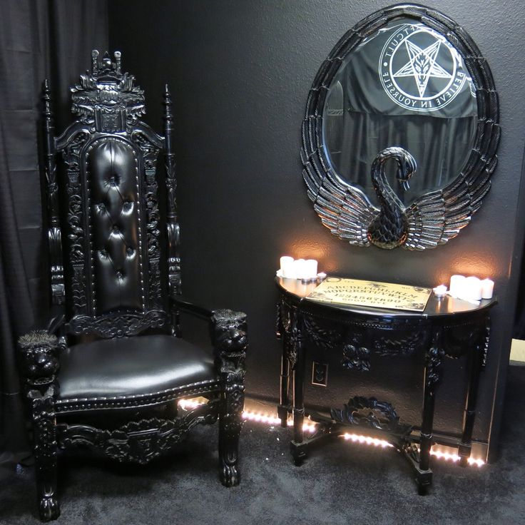 Spooky Home Decor on Pinterest Gothic Home Decor, Gothic