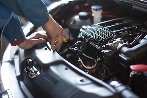 Do you need full service auto repair in Los Angeles? Then you need to call Bussard's All-Pro Automotive Center! From an auto repair estimate to auto break repair, the experts have you covered.