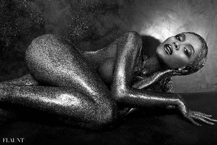 Beyonce nude and glittered