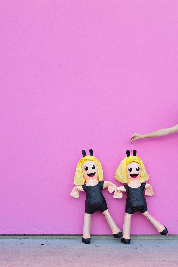 It's Saturday, and all we want to do is dance, dance, dance... and make these dancing gals emoji piñatas! #DIY