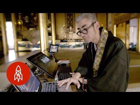 Буддийские сутры под техно, световое шоу вместо лампад – служба в храме может быть и такой Год назад по соцсетям вирусом прошлось видео службы в буддийском храме в городе Фукуи в Японии. Моло…
