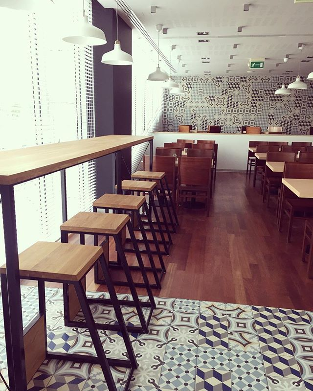 Bistro in Warsaw and hockers JAPAN #design #designer #designdeinteriores #designing #bistro #warsaw #hocker #hockerjapan #furnituredesign #furnituredesigner #furnitureforsale #furniture #hoker #minimaldesign #projektymebli #meble #project #minimalism #wooddesign #luxury #warsaw #interiordesign #interior #interiordesigner #andrew