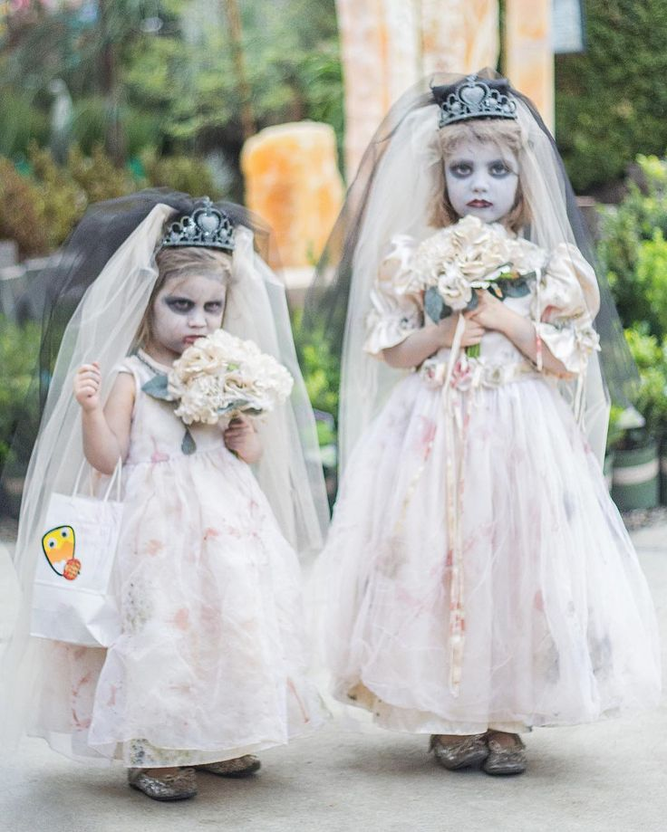 Happy Halloween! 🕸🎃🕷👻☠️⠀ A big thank you to everyone who came out to our Children's Halloween Festival. We had an overwhelming turn out. 🙃⠀ #rogersgardens #bringingbeautyintoyourhomeandgarden #halloween #ghost #bride #childrensfashion #costume #halloweenparty #trickortreat #parade #festival #gardens #garden #love