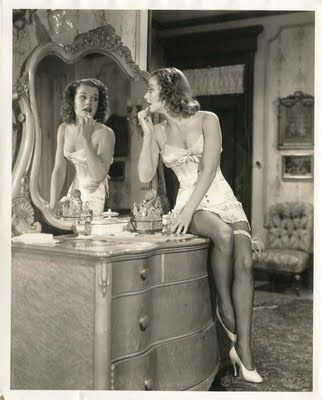 .: Photos, Anne Sheridan, Vintage Vanities, Old Hollywood, Dresses Tables, Hollywood Glamour, Boudoir, Beautiful, Mirrors Mirrors