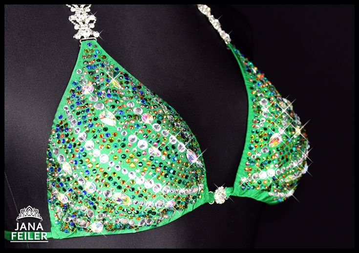 ❤️ GREEN DRAGONFLY ❤️ Like a dragonfly, elegant, beautiful, unique,... simply exceptional Bikini with big crystal and big shine. Cup B-D with pockets in the tops, custom panties made after order. #blingbling #exclusive #green #dragonfly #posingsuit #custombikini #competitionsuit #bikinifitness #stagebikini #bikinicompetition #inba #ifbb #ifbbbikini #bikiniprep #diamond #fitness #fitnesscompetition #stagebikini #fashion #crystal for #competition #bikini #uniquesuit by #atelierjanafeiler
