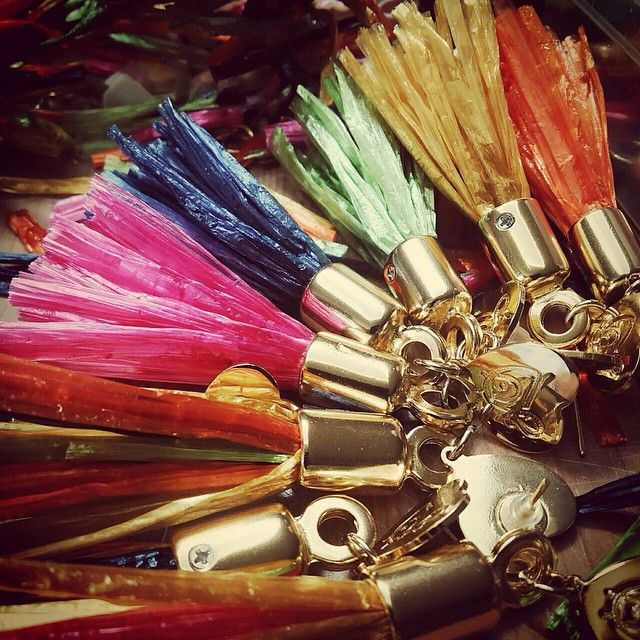 A colorful life  with tassels www.casettadimarzapanebijoux.com #raffia #nappine #tassel fashion #vintage #dress #skirt #clothes #clothing #fashionable #instafashion #swag #swagger #model #style #musthave #weheartit #girly #golook #classy #fashiondiaries  #ootd #highheels  #accessories #tagstagramers #tagsta #tagsta_fashion (presso WORKSHOP Casetta di Marzapane Bijoux)