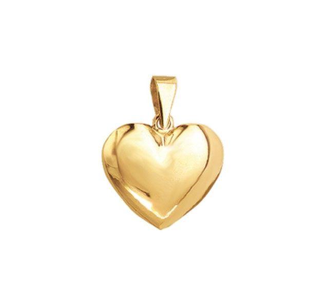 Smukt Aagaard vedhæng i guld. Kender du en, der har en hjerte af guld? Så må det her da siges at være den perfekte gave! Et smukt smykke, med en lige så smuk tanke bag. #aagaard #smykker #guldsmykke