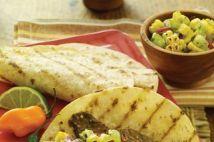 SiempreMujer.com: Tacos de bistec adobado con chile ancho, salsa de maíz asado y tomatillo