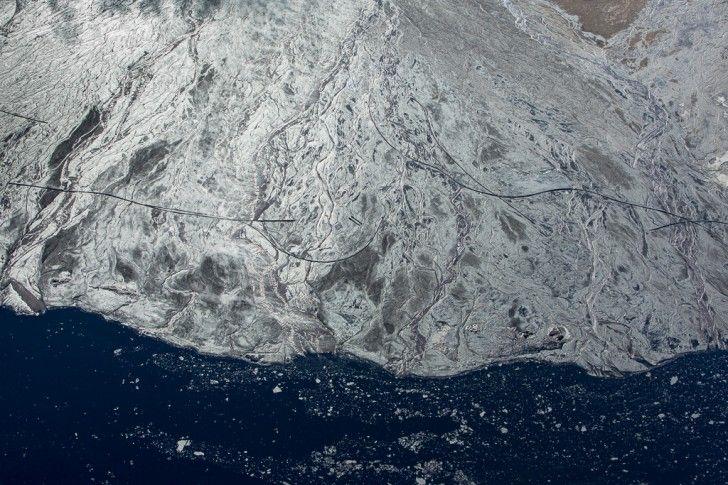 Alex MacLean's Aerial Images of Tar Sands Reveal Shocking Deta...