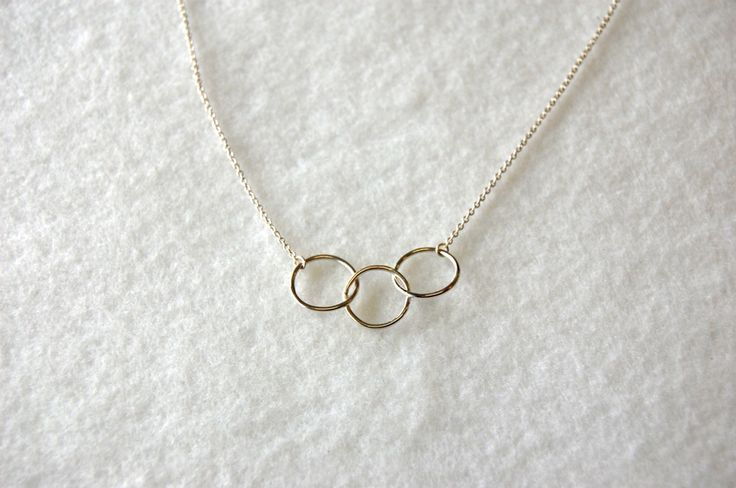 Sterling silver triple circle necklace, handmade.  www.jewelrybysaveria.com
