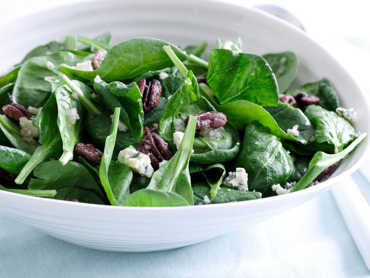 Spinach Salad with Sweet Roasted Pecans and Gorgonzola with Sherry ...