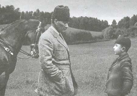 Atatürk Çocukları Çok Severdi - Atatürk'ün Çocuk Sevgisi