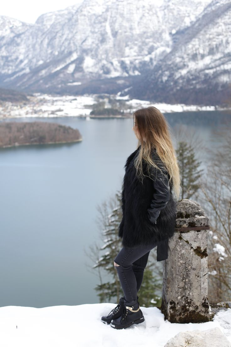Hallstatt travel post on www.andreamurasan.com  #blog #blogpost #ontheblog #andreamurasan #travel #fashion #outfit