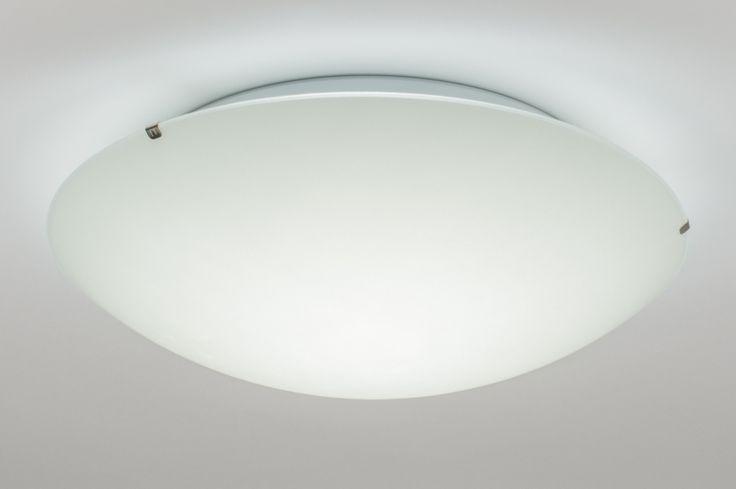 artikel 10848 Grote uitvoering (40cm) plafonnière voorzien van dimbaar led.http://www.rietveldlicht.nl/artikel/plafondlamp-10848-modern-klassiek-eigentijds_klassiek-landelijk-rustiek-wit-glas-mat_glas-rond