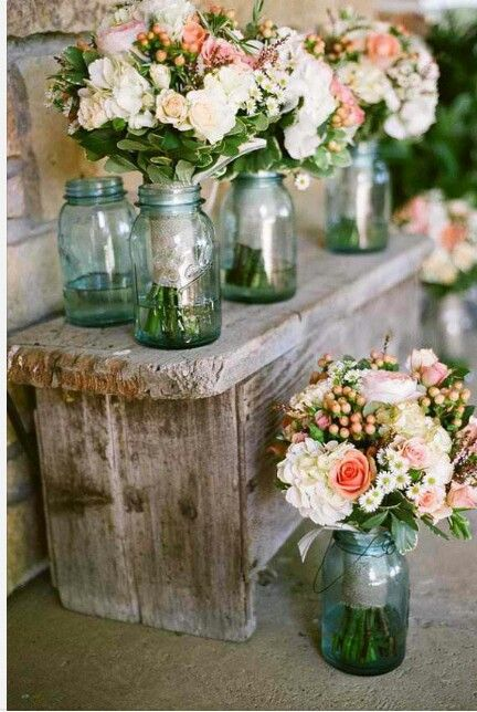 I've done flowers very similar to this for my sister's wedding.