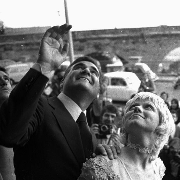 Il matrimonio tra Rita Pavone e il cantante Teddy Reno, celebrato in segreto al convento delle Suore Paoline a Lugano il 15 marzo 1968