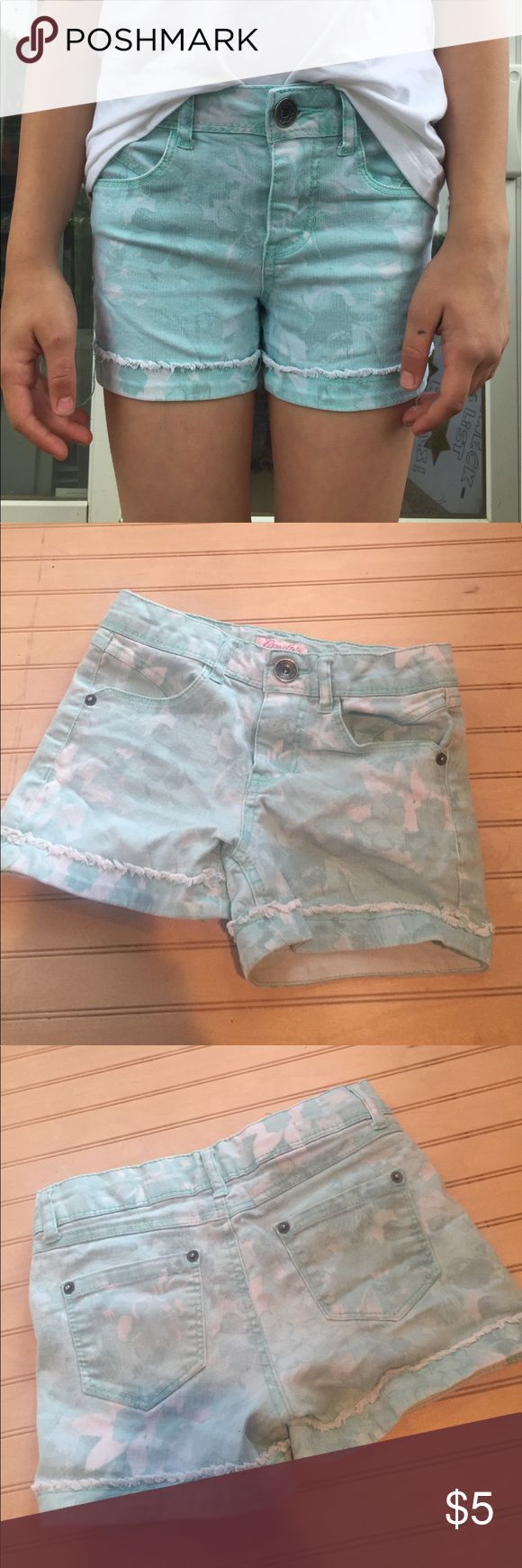 Candie's Girls Aqua Shorts Size 10, in great condition, no stains or tears Candie's Bottoms Shorts