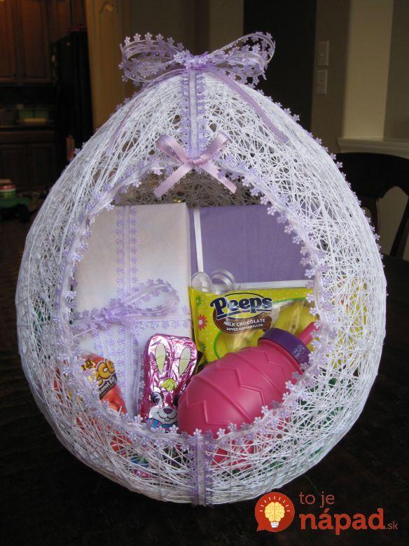 Veľká noc je doslova za dverami auž opár dní budeme spolu so svojimi blízkymi oslavovať najkrajšie sviatky jari. Ak stále hľadáte nápady na vlastnoručne zhotovenú veľkonočnú dekoráciu, máme pre vás skvelý tip – krásne veľkonočné vajce zvlny. Môžete ním obdarovať svojho najlepšieho kúpača, alebo zneho vytvoriť originálnu akrásnu jarnú dekoráciu do bytu. Ukážeme vám, ako...