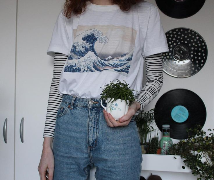 @starfreckless on ig ! This blue/water/plant aesthetic gives me reeeally big chills