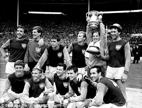 WEST HAM UNITED FA CUP FINAL WINNERS 1964