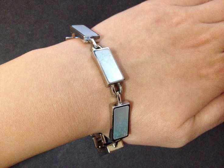 Pre Owned Stainless Steel Mother of Pearl Bracelet