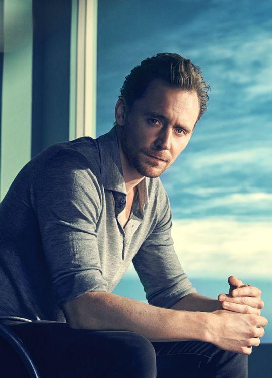 Tom Hiddleston by Kurt Iswarienko. Source: http://www.kurtiswarienko.com/ Via Torrilla http://m.weibo.cn/status/4097699303338949 . Ful size image: http://wx3.sinaimg.cn/large/6e14d388gy1feq7ate6w9j21bg0voahd.jpg