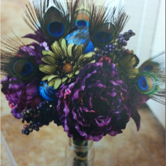 The PERFECT peacock bouquet.