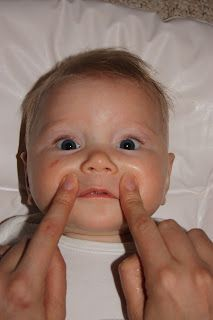 Baby massage techniques for teething and colds
