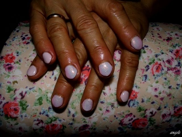 "Powder pink & ""Mermaid Effect"" nails- hybrid my mom <3"